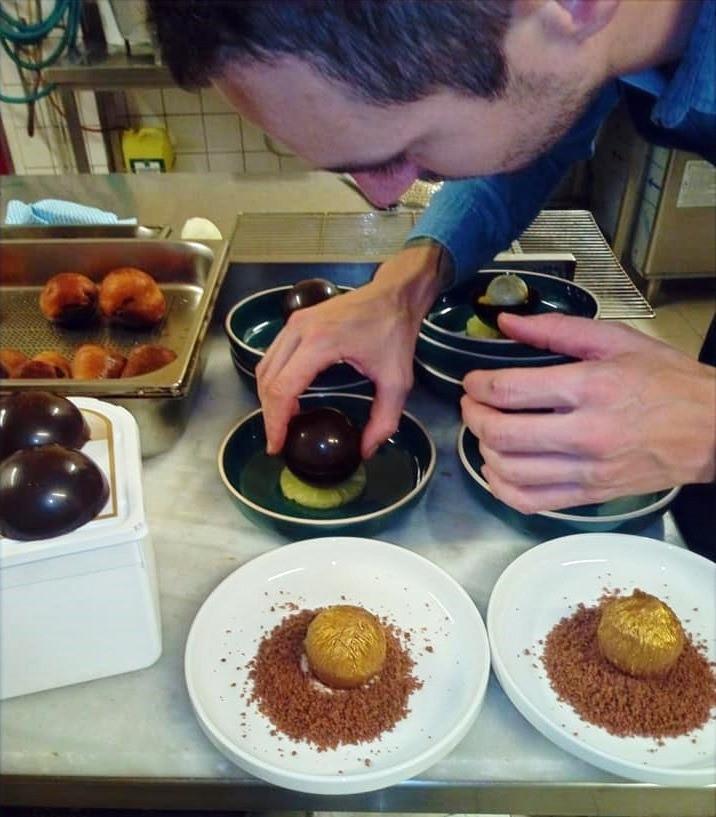 Préparation de desserts - Hôtel du commerce