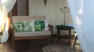 Goma espuma asiento y respaldo más cojines decorativos