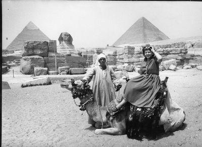 מאלבומה של עדת ראיה –  סוזי אבן במצרים