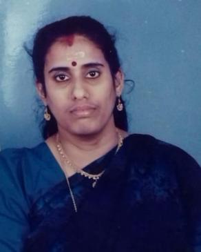 Late Sethumadhavariyar's at Thiruvalathur Ayyappan VariyamJyothi (50) daughter of Madhur Meenakshi