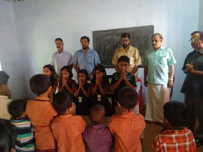 Varier Service Socieity of Palakkad distributed educational aids to students of Mannmpatta