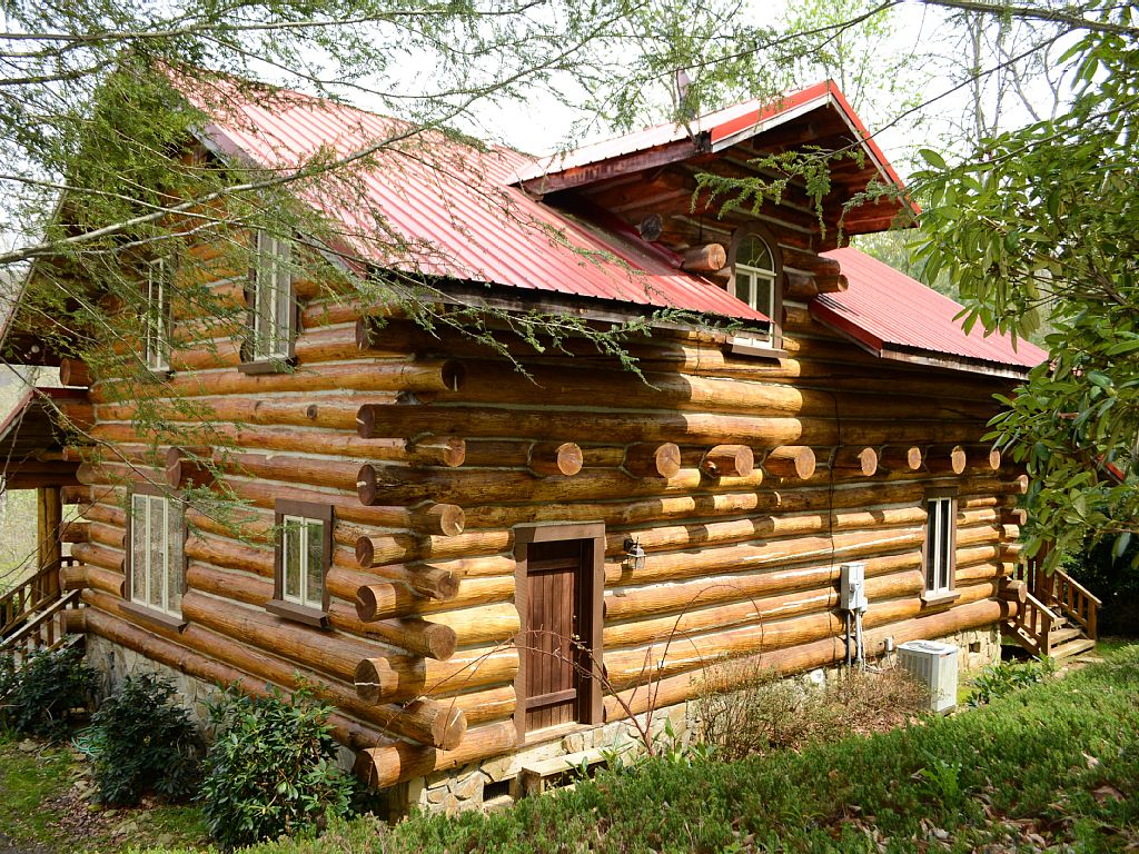 Cherokee Lodge