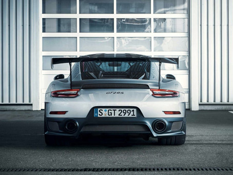 More photos of the beast! The Porsche 911 GT2 RS