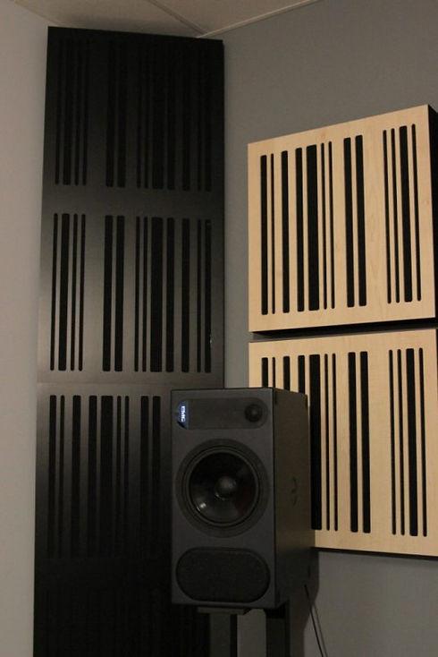 GIK-Corner-CT-Alpha-Bass-Trap-black-plat
