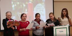 2017 Cena de Navidad hermanas cantando