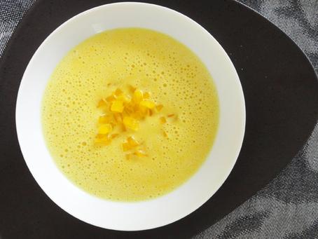 Rahmsuppe vom gelben Paprika und Ingwer