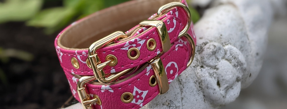 The Valencian Collar in Hot Pink