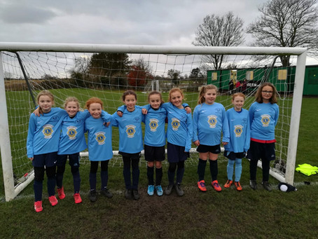 U10'S GIRLS NEW KIT SPONSORED BY THE DERWENT LIONS