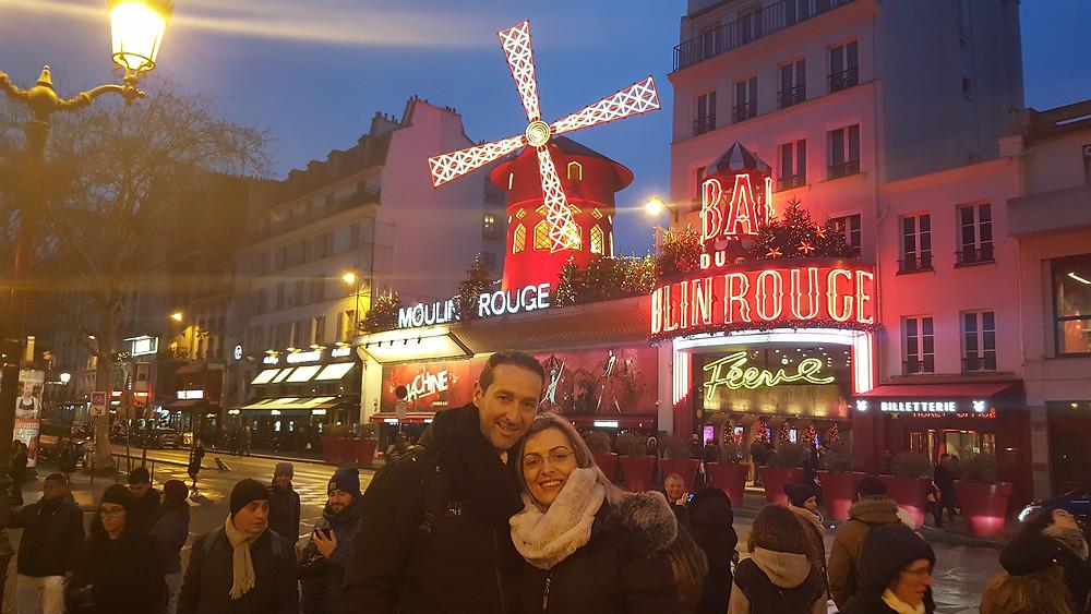מולן רוז' -השוכן רובע מונמארטר בפריז