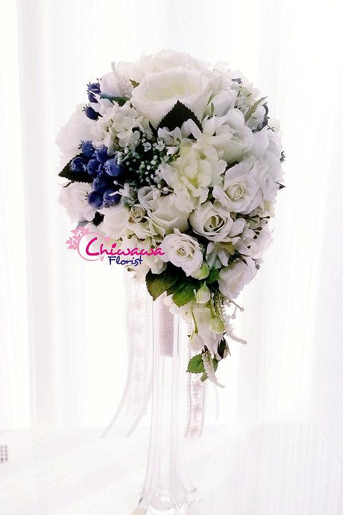 Purity white Teardrop rose bouquet