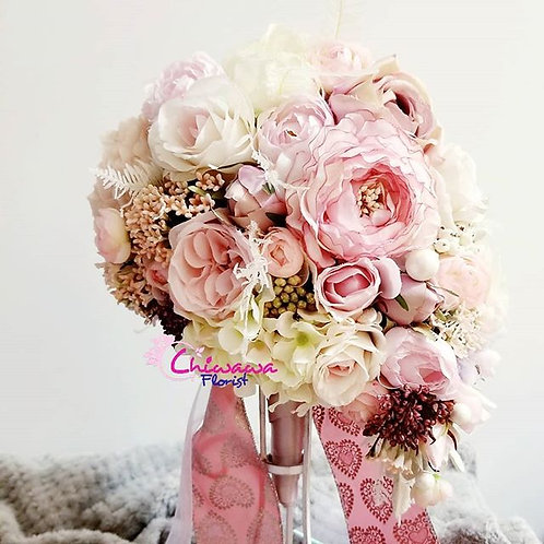 Pinky Teardrop rose bouquet