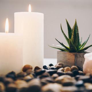 candles-and-bathroom-decor.jpg