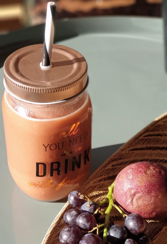 délicieux jus de fruits extracteur de jus vitamines rebooster ses énergies bananes ananas fruits de la passion pomme raisin noir fait maison les carnets de vannes