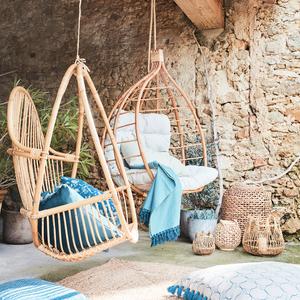 fauteuils suspendus en rotin Alinéa Vannes Morbihan tendance naturel bohème