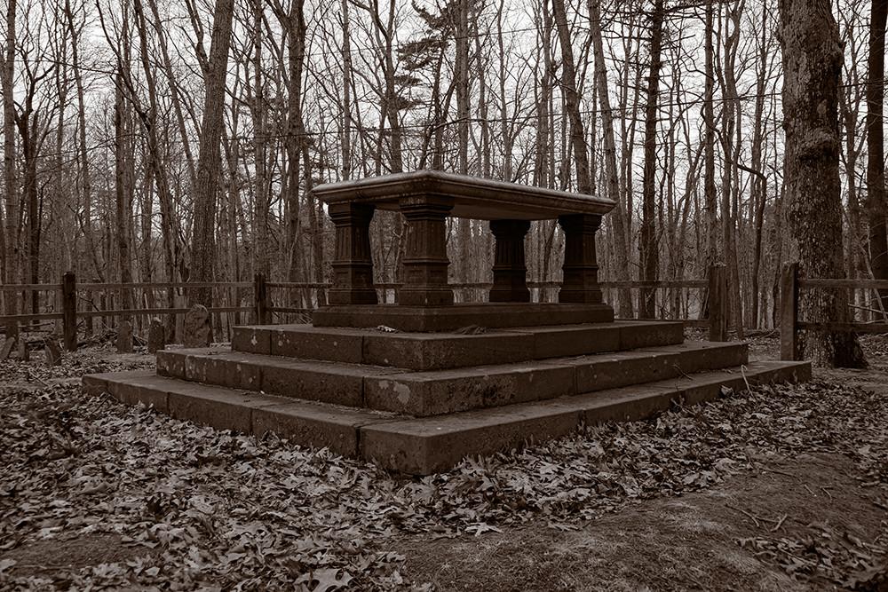 Monument, Quaker Cemetery