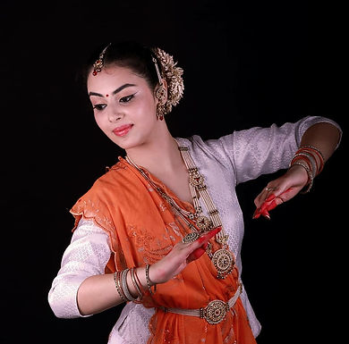 Learn facial expressions in Kathak with Shriya Popat