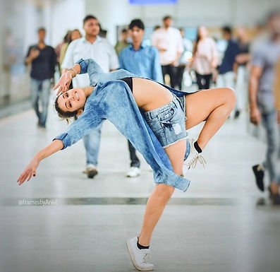 Learn Contemporary dance routine with Arushi Chawla