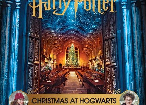 Harry Potter - Christmas at Hogwarts: A Movie Scrapbook (Hardback)