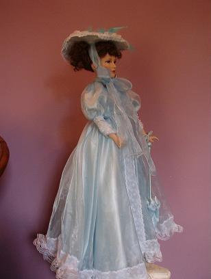 Vivian - Porcelain Doll - William Tung