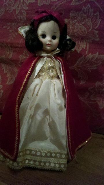 Snow White- Madame Alexander