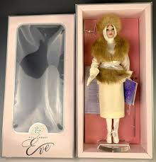 All ABout Eve - Susan Wakeen 16 inch.jfi