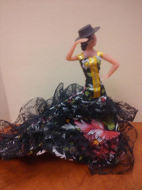 Spanish Dancer -- black