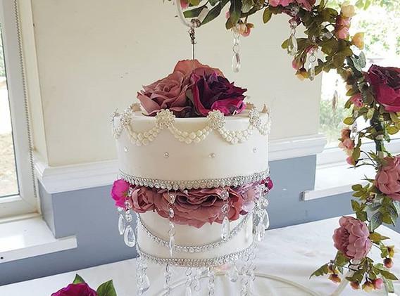 Chandelier diamante cake
