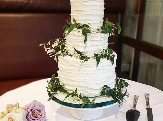 French rustic wedding cake