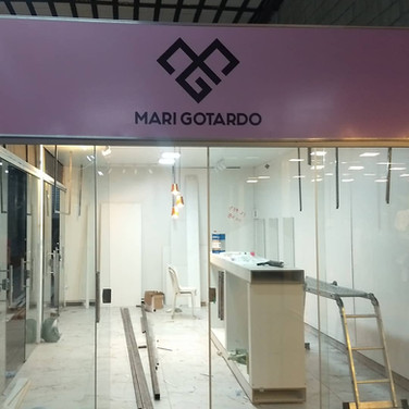 Placa fachada loja de roupa. Gráfica em Brasília DF