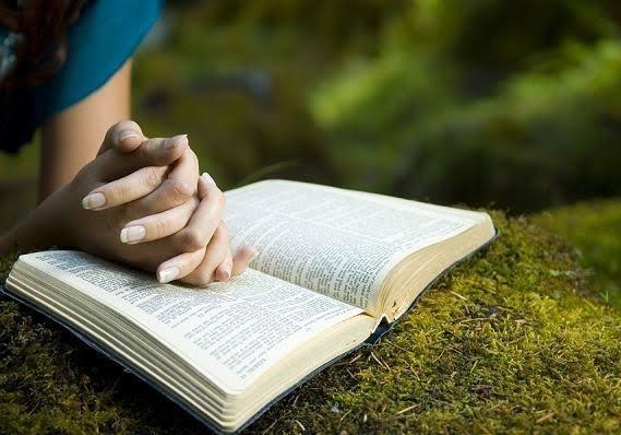 Oração antes de ler a bíblia