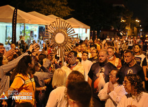 Milhares de pessoas acompanham 2º dia de Pentecostes