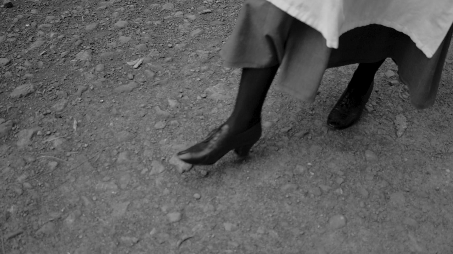 Feet original on path