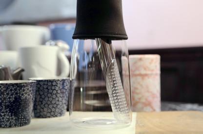 Théière moderne pour vos thés chauds ou glacés trouvera sa place dans votre cuisine.