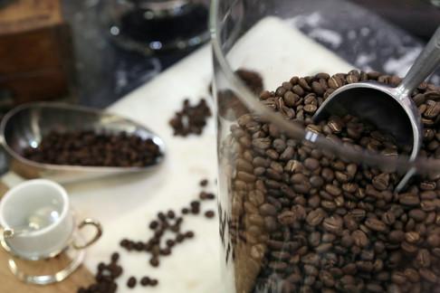 La Torréfaction toulousaine  Grands crus de cafés en grains ou moulus sur place. Découvrez les arômes intenses du Moka et les arômes subtils du Guatemala.