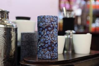 Toute une gamme de boîtes à thé d'inspiration chinoise et japonaise.