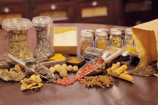 Épices au détail  Retrouvez Chez Babeth toute une sélection d'épices au détail, nécessaire à votre cuisine de tous les jours.