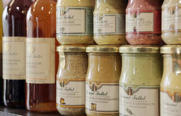 La Moutarderie Edmond Fallot  C'est la dernière vraie moutarderie familiale en Bourgogne.