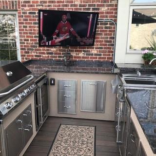 Custom_Outdoor_Kitchen.jpg