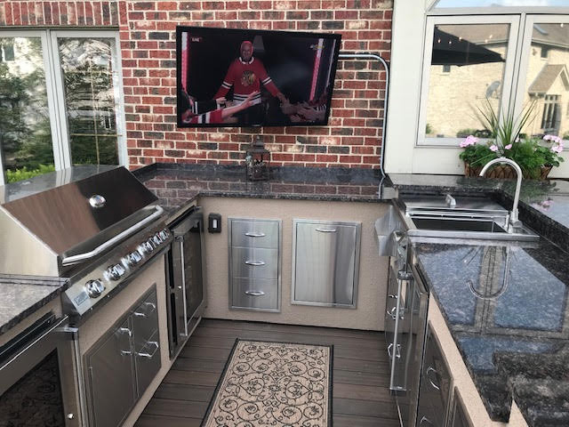 How to build a outdoor Kitchen. Learn how to have a plan and what you will need in order to design your Outdoor Kitchen area.