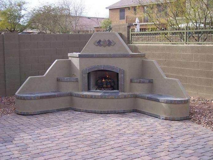 Santa Fe Outdoor Fireplace – Corner