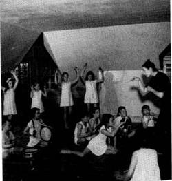 Elsie Salomons teaching @1960's