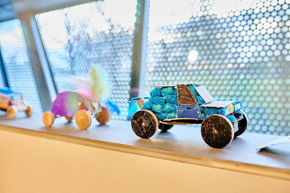 Junior Campus in der BMW Welt in München Workshop Werkstatt Fahrzeuge