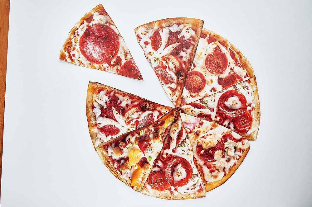 Pizza DIY aus Papier mit Kindern