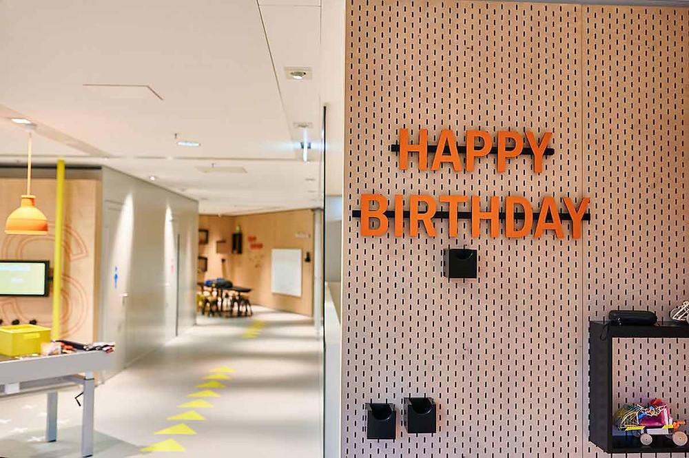 Junior Campus in der BMW Welt in München Workshop Werkstatt Happy Birthday