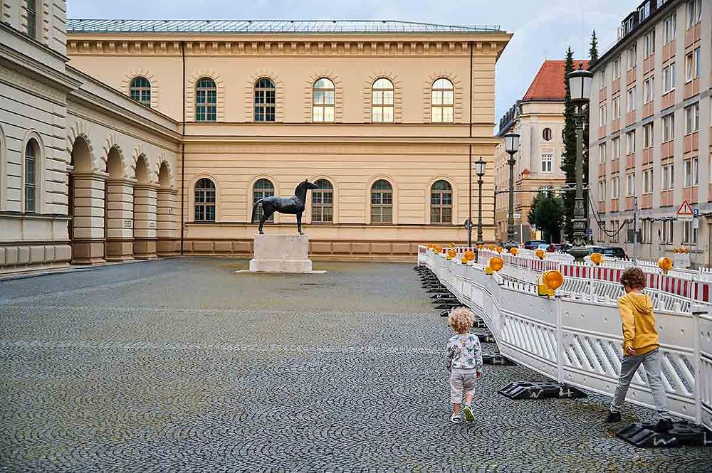 Ausflug mit Kindern in München Bayerisches Hauptstaatsarchiv Schönfeldstraße