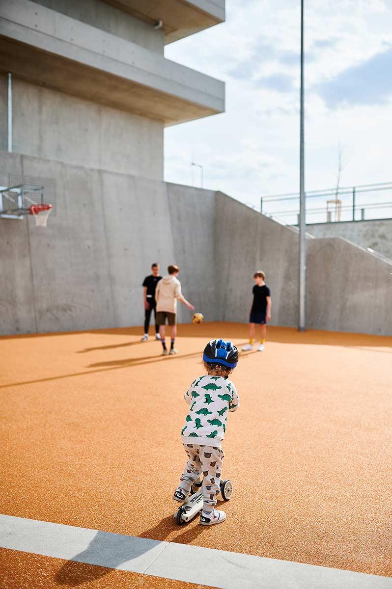 Familienausflug zum Sportpark Freiham München Basketballplatz