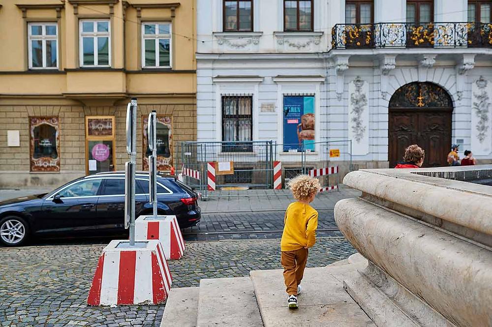 Familienausflug nach Augsburg mit Kindern Maximilianstraße Herkulesbrunnen