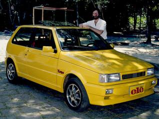 O Uno Turbo amarelo e uma (rápida) viagem no tempo