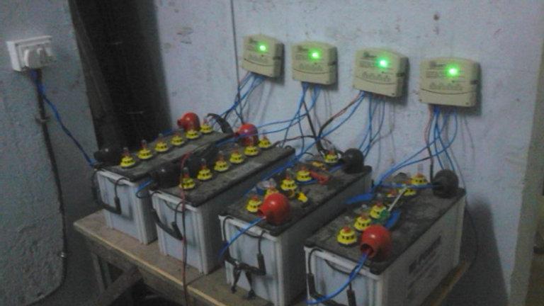 جهاز التحكم بالشحن بالطاقة الشمسية 10 أ
