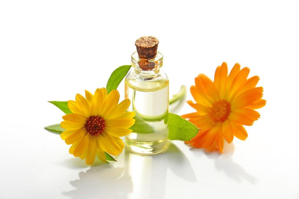 Il s'agit d'une huile essentielle, composée de produits naturels.